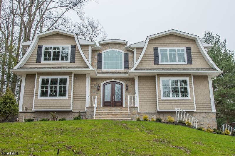 Частный односемейный дом для того Продажа на 28 Evergreen Drive North Caldwell, 07006 Соединенные Штаты