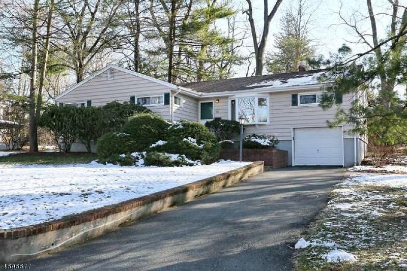 Частный односемейный дом для того Продажа на 25 Hillside Ter Montvale, Нью-Джерси 07645 Соединенные Штаты