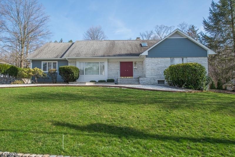 独户住宅 为 销售 在 26 James Ter 朋普顿雷克, 07442 美国
