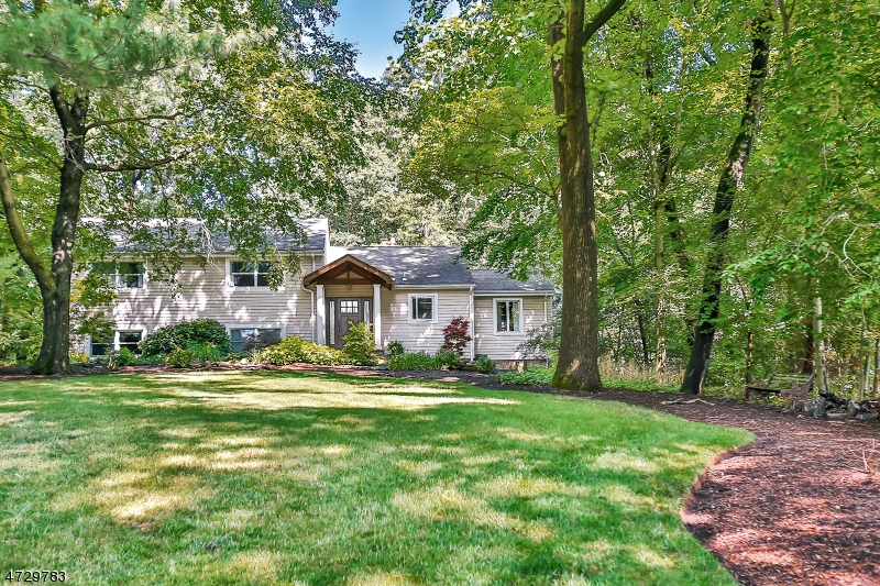 Single Family Home for Sale at 54 Wyandemere Drive Woodcliff Lake, New Jersey 07677 United States