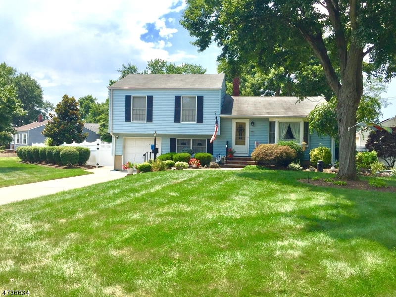 Single Family Home for Sale at 5 Michael Rd Spotswood, New Jersey 08884 United States