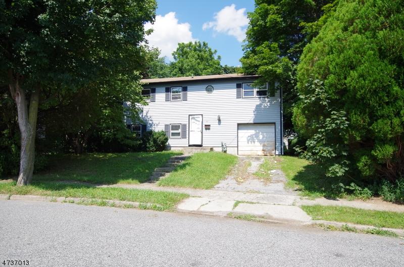Maison unifamiliale pour l Vente à 20 Herbert Lane Hackettstown, New Jersey 07840 États-Unis