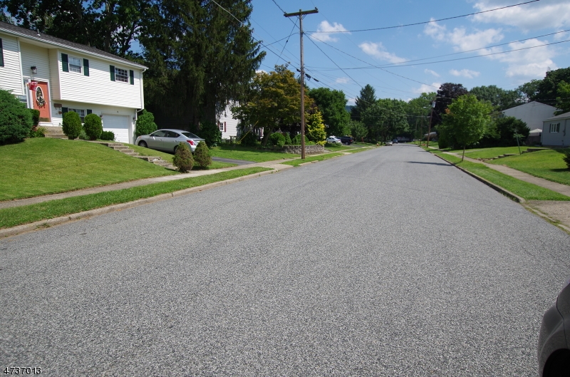 Additional photo for property listing at 20 Herbert Lane  Hackettstown, New Jersey 07840 États-Unis