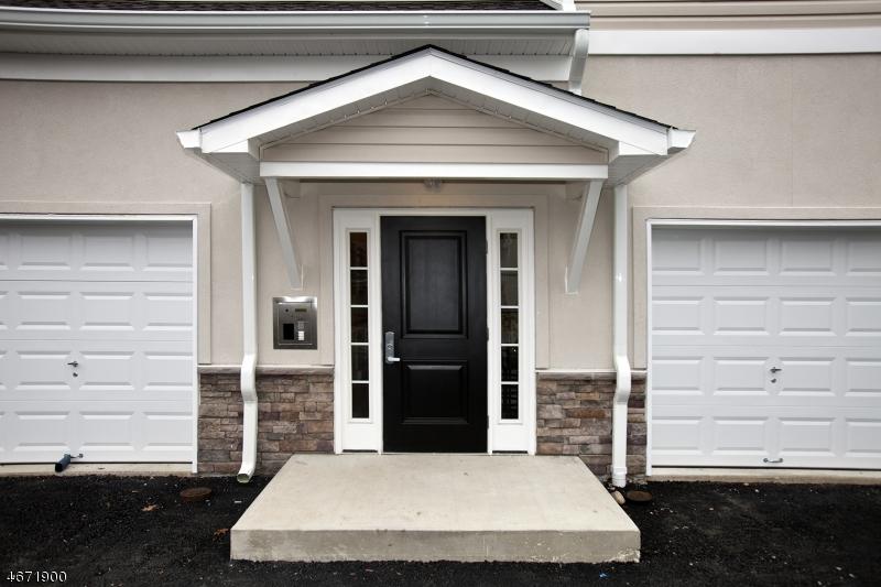 Частный односемейный дом для того Аренда на 5 W River Styx Rd, U-306 Hopatcong, Нью-Джерси 07843 Соединенные Штаты