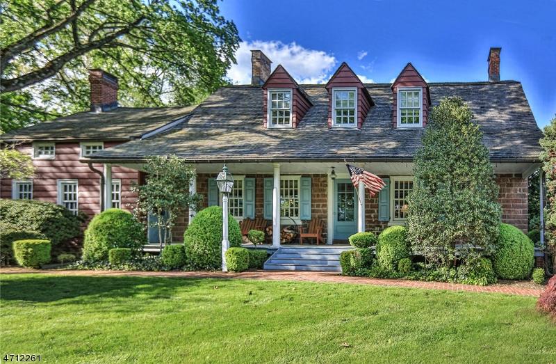 Частный односемейный дом для того Продажа на 142 Pascack Road Park Ridge, Нью-Джерси 07656 Соединенные Штаты