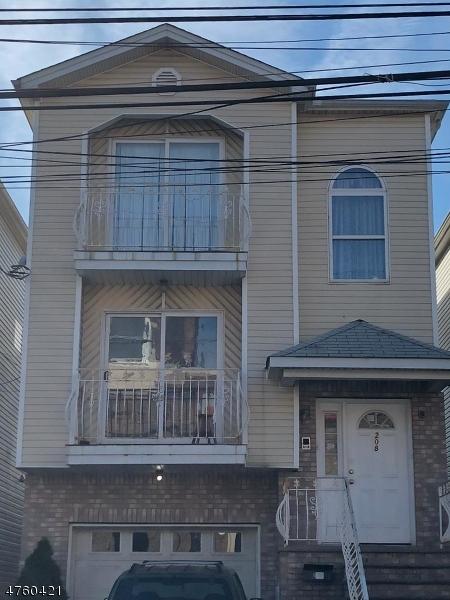 Vivienda multifamiliar por un Venta en 208 E Jersey Street Elizabeth, Nueva Jersey 07206 Estados Unidos