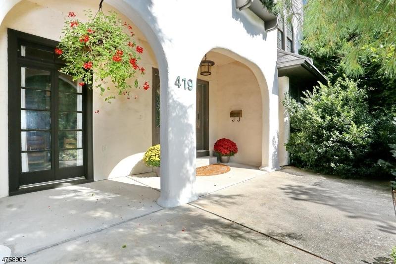 Maison unifamiliale pour l Vente à 419 Beverly Road Ridgewood, New Jersey 07450 États-Unis