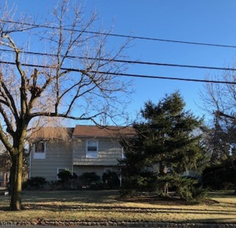 Maison unifamiliale pour l à louer à 1752 Springfield Avenue New Providence, New Jersey 07974 États-Unis