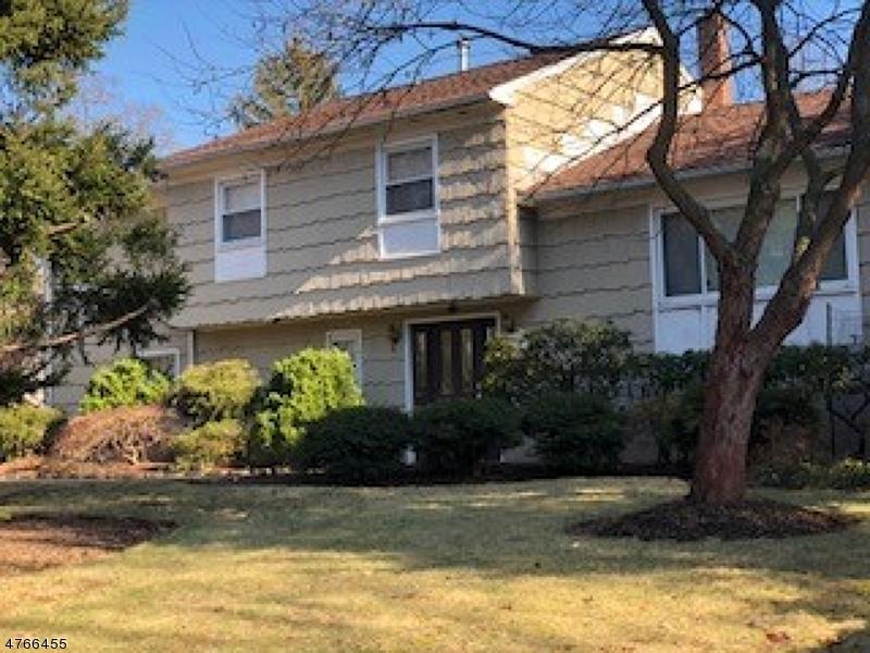 独户住宅 为 出租 在 1752 Springfield Avenue 新普罗维登斯岛, 新泽西州 07974 美国