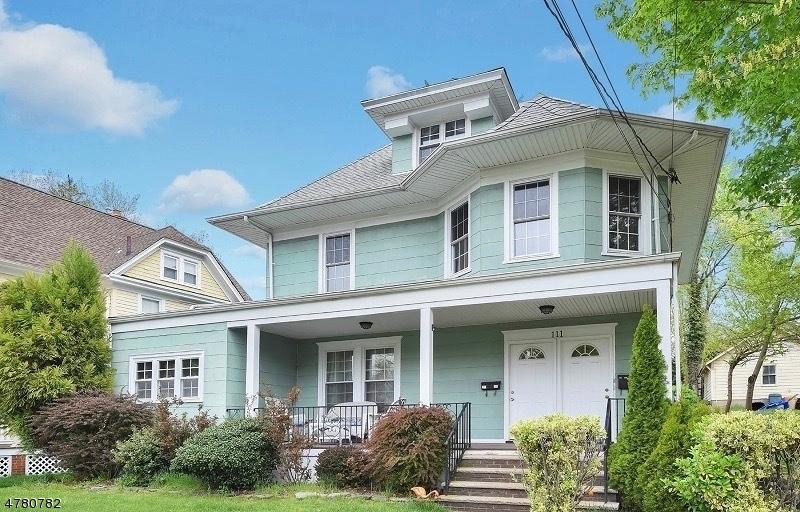 Casa Unifamiliar por un Alquiler en 111 Godwin Avenue Ridgewood, Nueva Jersey 07450 Estados Unidos
