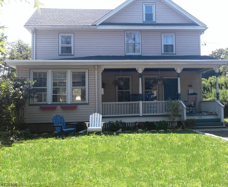 Casa Unifamiliar por un Alquiler en 160 Ackerman Avenue Ridgewood, Nueva Jersey 07450 Estados Unidos