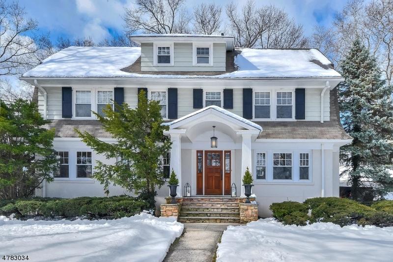 Maison unifamiliale pour l Vente à 242 Forest Avenue Glen Ridge, New Jersey 07028 États-Unis