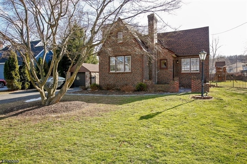 Casa Unifamiliar por un Venta en 52 Freeman Street Roseland, Nueva Jersey 07068 Estados Unidos
