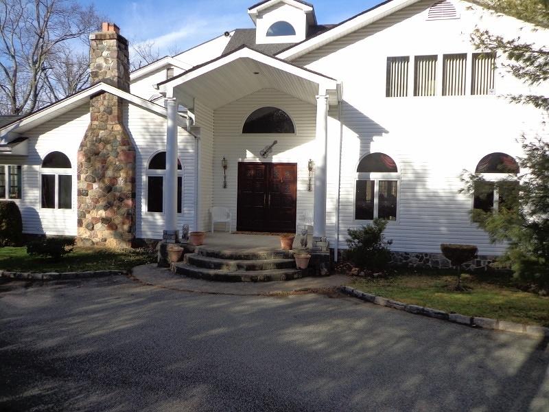 Частный односемейный дом для того Аренда на 357 Old Short Hills Road Millburn, Нью-Джерси 07078 Соединенные Штаты