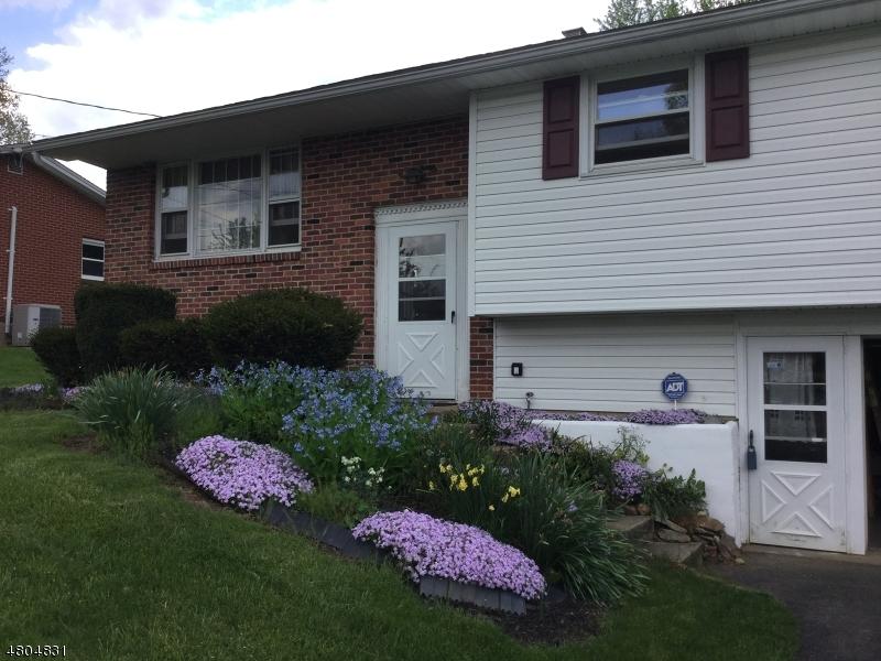 Casa Unifamiliar por un Venta en 807 Youngs Road Lopatcong, Nueva Jersey 08865 Estados Unidos