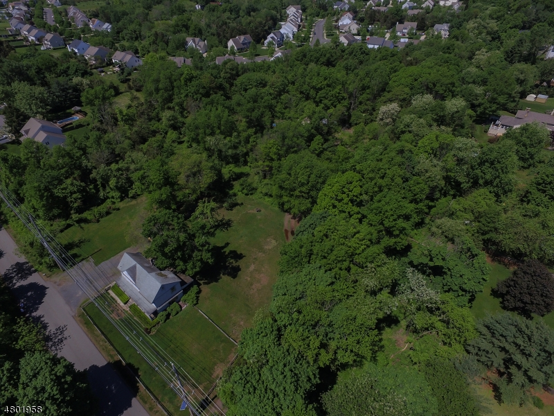 Casa Unifamiliar por un Venta en 37 Dahmer Road Franklin, Nueva Jersey 08873 Estados Unidos