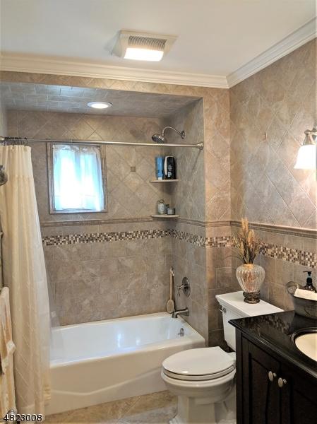 Частный односемейный дом для того Продажа на 31 PEARSON Street Lincoln Park, Нью-Джерси 07035 Соединенные Штаты