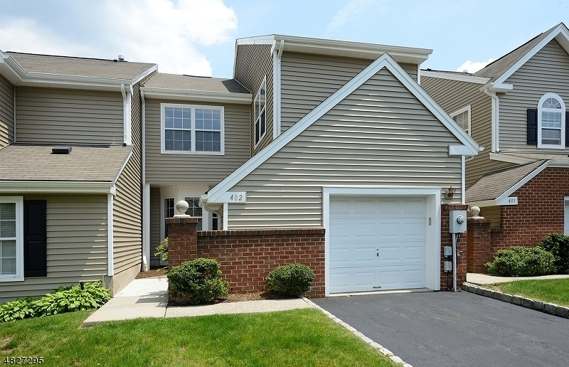 Condo / Townhouse pour l à louer à 402 DIGAETANO TER West Orange, New Jersey 07052 États-Unis