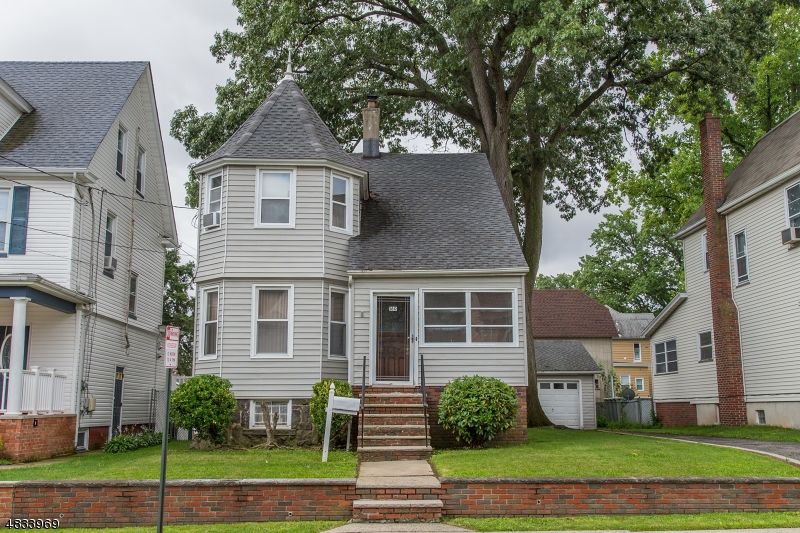 Single Family Home for Sale at 160 STEWART Avenue Kearny, New Jersey 07032 United States