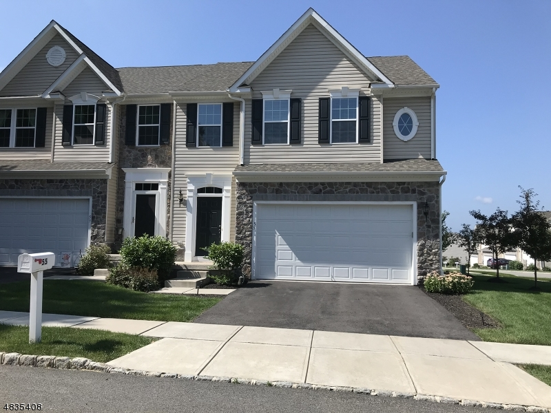 Condo / Radhus för Försäljning vid 55 WASHINGTON SQUARE Circle Washington, New Jersey 07882 Förenta staterna