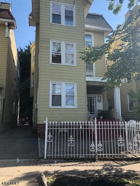 Maison avec plusieurs logements pour l Vente à 334 CENTRAL Avenue Orange, New Jersey 07050 États-Unis