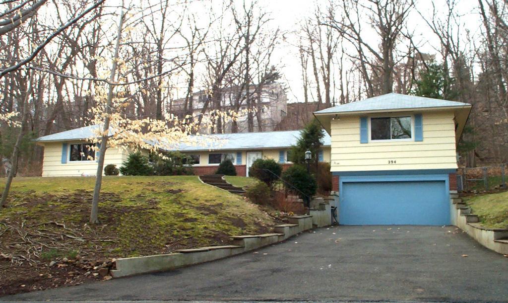Частный односемейный дом для того Аренда на 294 HILLSIDE Avenue Chatham, Нью-Джерси 07928 Соединенные Штаты