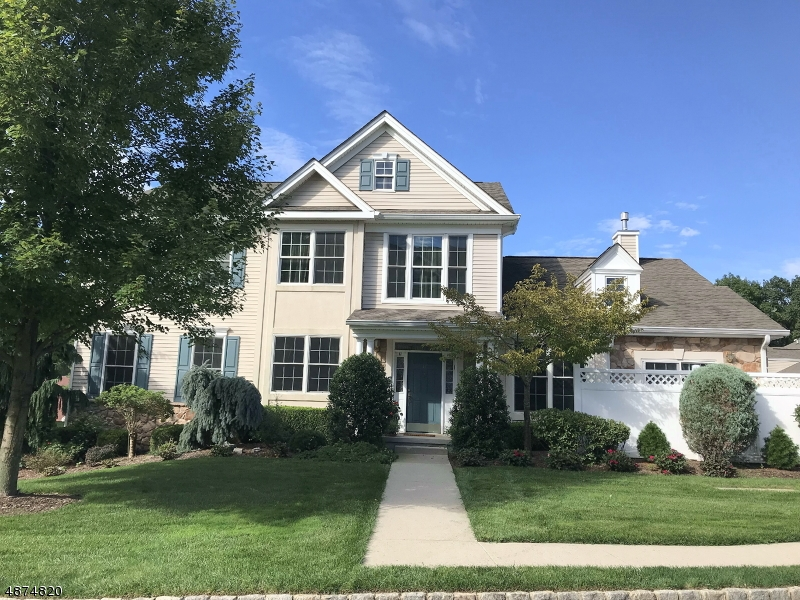 Condo / Townhouse for Sale at 17 QUARRY Drive Woodland Park, New Jersey 07424 United States