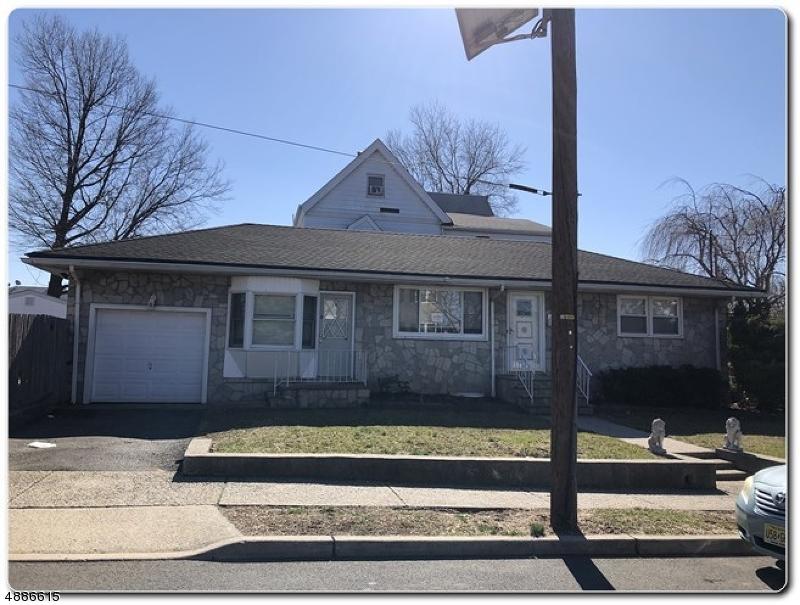Maison unifamiliale pour l Vente à 85 EXTON Avenue North Arlington, New Jersey 07031 États-Unis