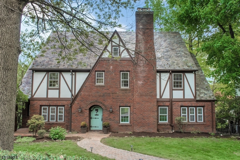 Single Family Home for Sale at 101 UNDERCLIFF RD Montclair, New Jersey 07042 United States