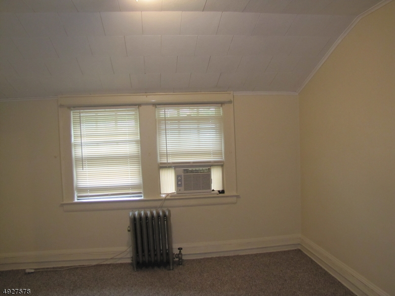 Additional photo for property listing at  Montclair, New Jersey 07042 United States