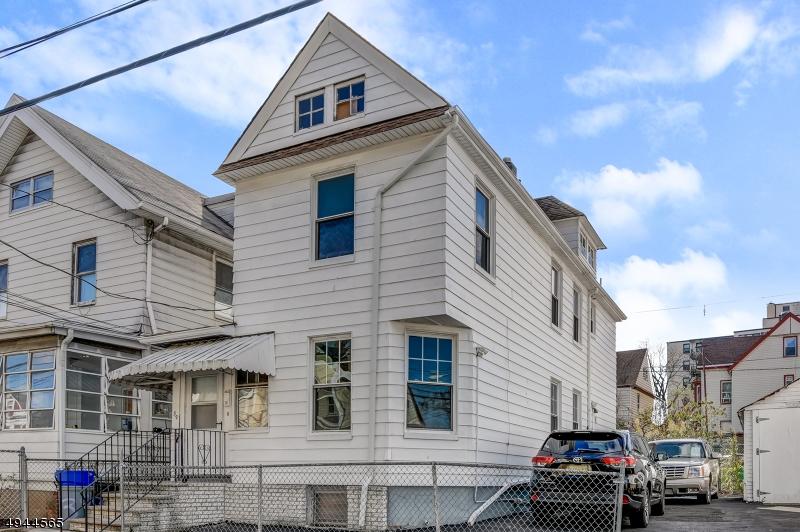 Single Family Homes 为 出租 在 Passaic, 新泽西州 07055 美国