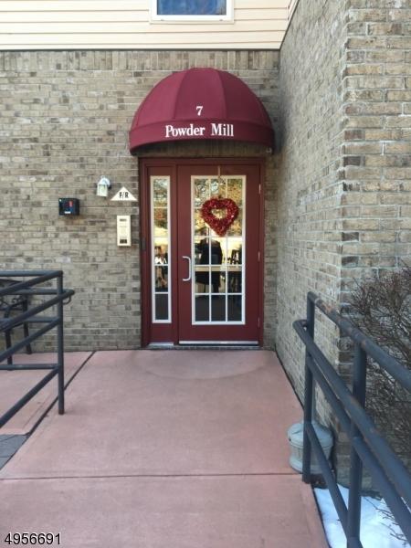 Condominio/ Casa de pueblo por un Venta en 715 CANNELLA WAY Riverdale, Nueva Jersey 07457 Estados Unidos