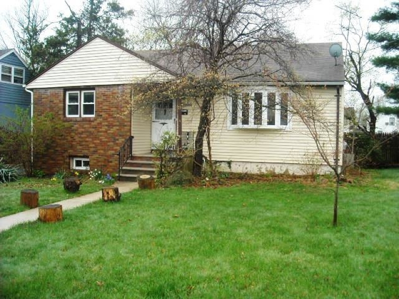 Additional photo for property listing at 15 Harrison Avenue  Plainfield, New Jersey 07060 États-Unis