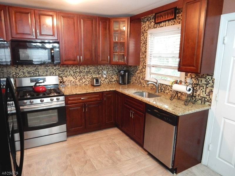 Additional photo for property listing at 2568 Vauxhall Road  Union, New Jersey 07083 United States