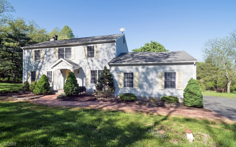 Additional photo for property listing at 126 PERRYVILLE Road  Pittstown, New Jersey 08867 United States
