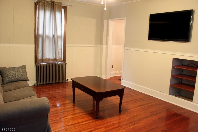 Additional photo for property listing at 89 2nd Avenue  Hawthorne, New Jersey 07506 États-Unis