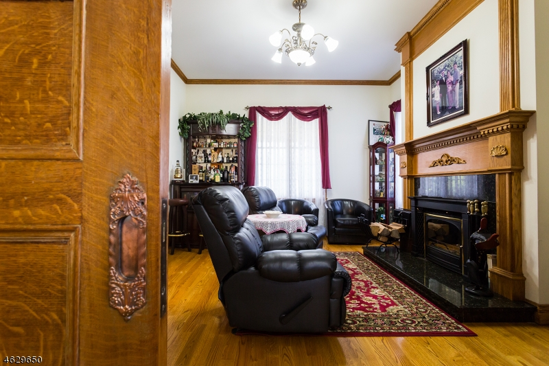 Additional photo for property listing at 659 Belgrove Drive  Kearny, 新泽西州 07032 美国