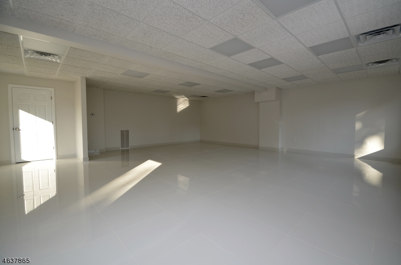 Additional photo for property listing at 133-135 ROUTE 46  Rockaway, Нью-Джерси 07866 Соединенные Штаты