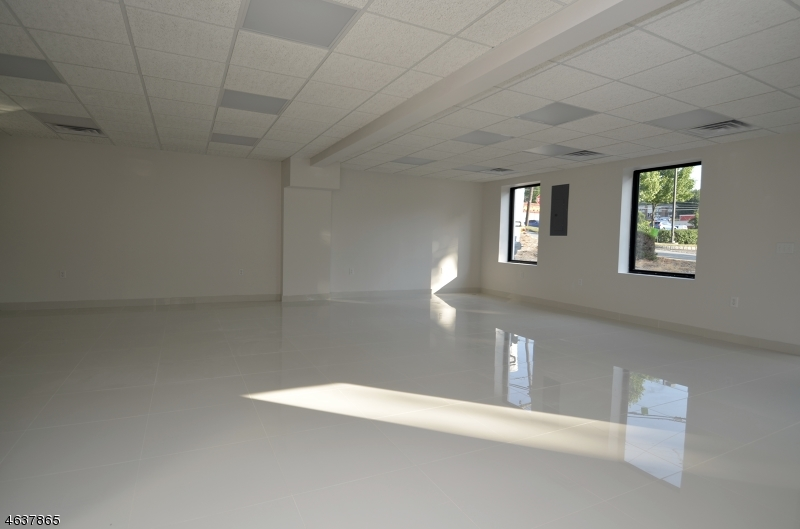 Additional photo for property listing at 133-135 ROUTE 46  Rockaway, New Jersey 07866 États-Unis