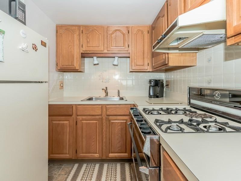 Additional photo for property listing at 431 UNION Avenue  Scotch Plains, Нью-Джерси 07076 Соединенные Штаты