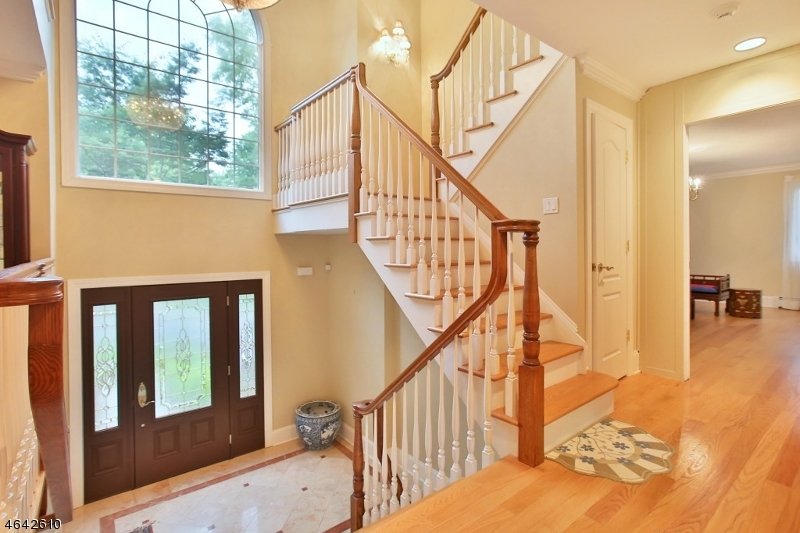 Additional photo for property listing at 1090 Hillcrest Road  Ridgewood, Нью-Джерси 07450 Соединенные Штаты