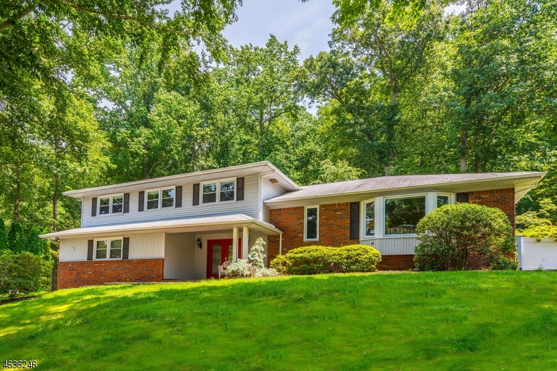 Single Family Home for Sale at 48 Birch Run Avenue Denville, New Jersey 07834 United States