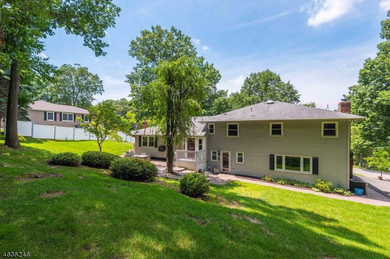 Additional photo for property listing at 48 Birch Run Avenue  Denville, New Jersey 07834 United States