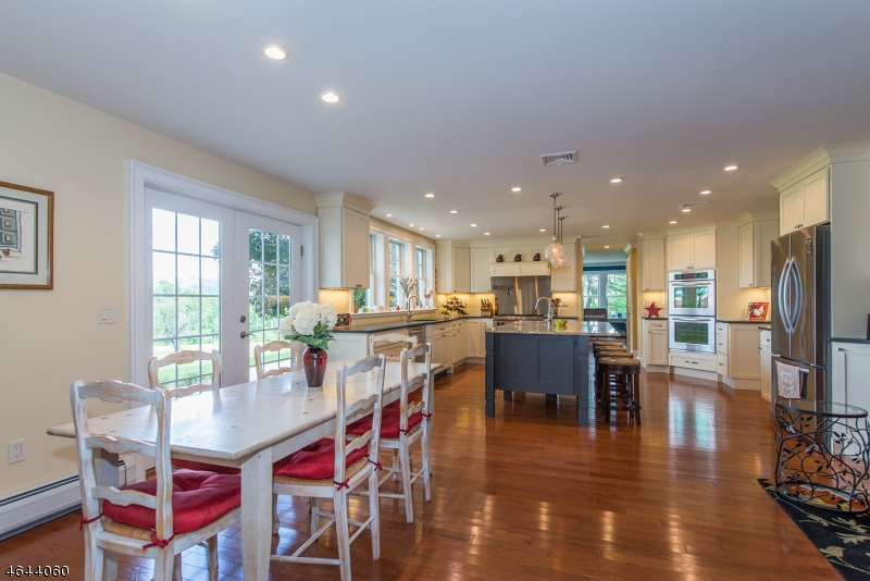 Additional photo for property listing at 10 Gaston Road  Morristown, New Jersey 07960 États-Unis