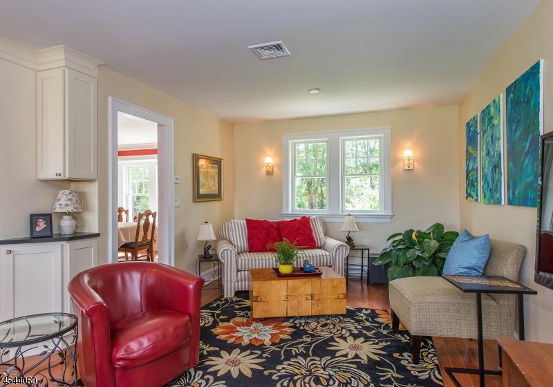 Additional photo for property listing at 10 Gaston Road  Morristown, Нью-Джерси 07960 Соединенные Штаты