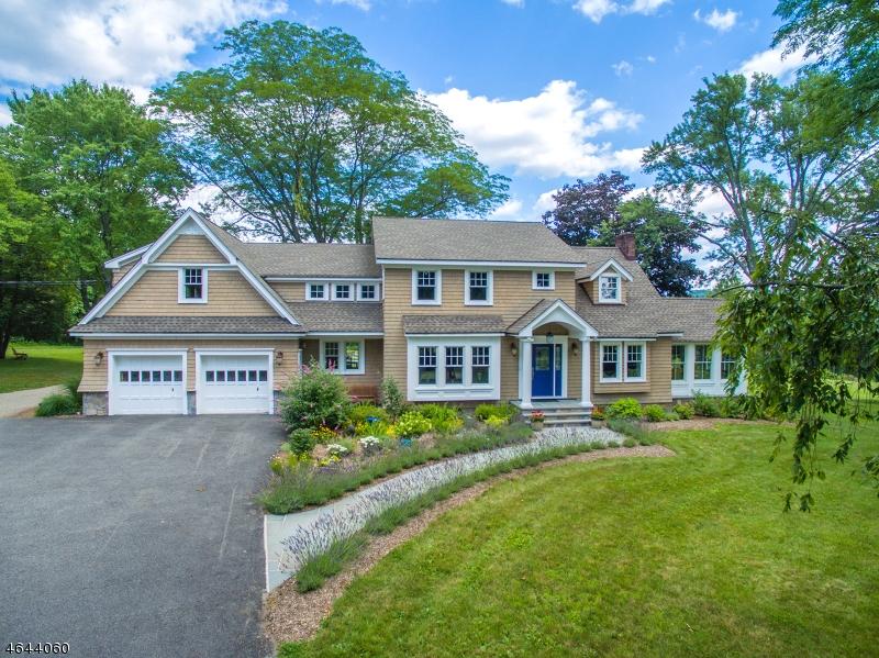 Частный односемейный дом для того Продажа на 10 Gaston Road Morristown, Нью-Джерси 07960 Соединенные Штаты