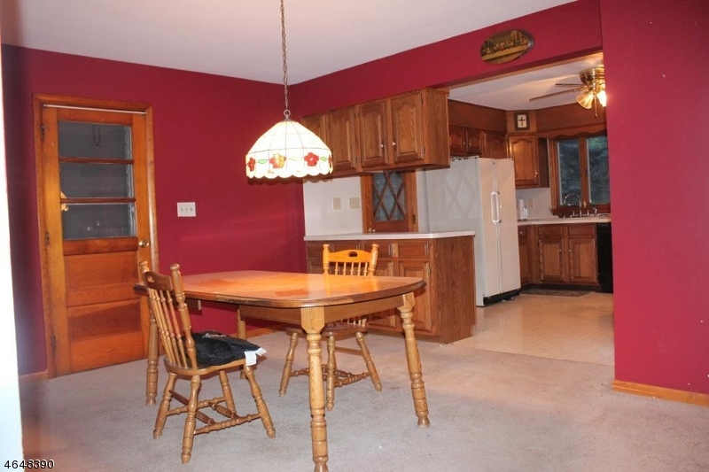 Additional photo for property listing at 592 Schley Avenue  Phillipsburg, Нью-Джерси 08865 Соединенные Штаты