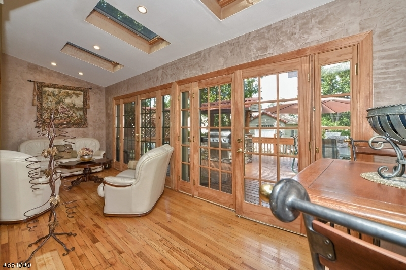 Additional photo for property listing at 263 TURNPIKE  Pequannock, New Jersey 07440 États-Unis