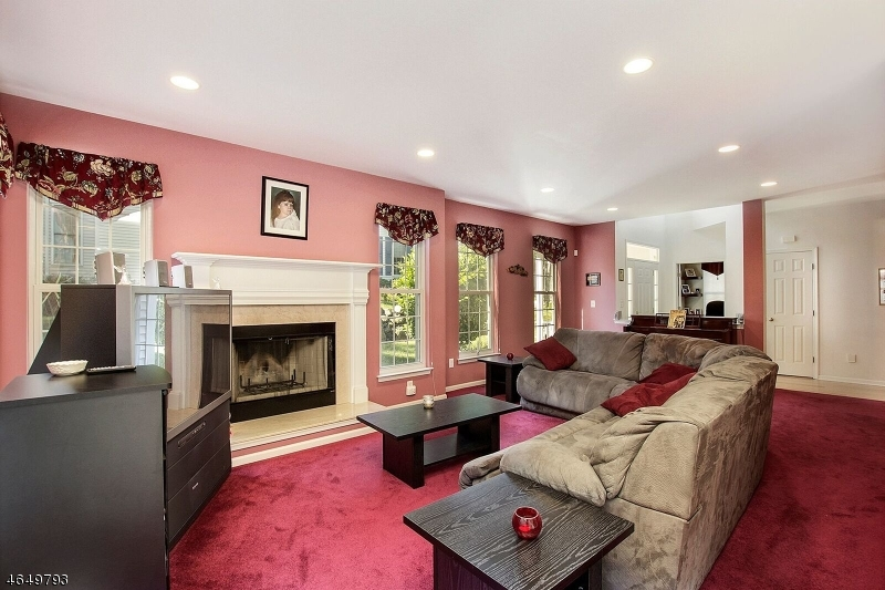 Additional photo for property listing at 11 Rolling Views Drive  Woodland Park, New Jersey 07424 États-Unis
