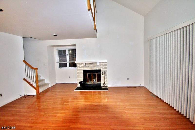 Частный односемейный дом для того Аренда на 2 Village Way, UNIT 6 Vernon, 07462 Соединенные Штаты